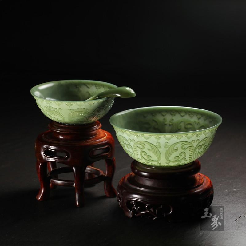 青玉-缠枝纹饰薄胎碗(两只)