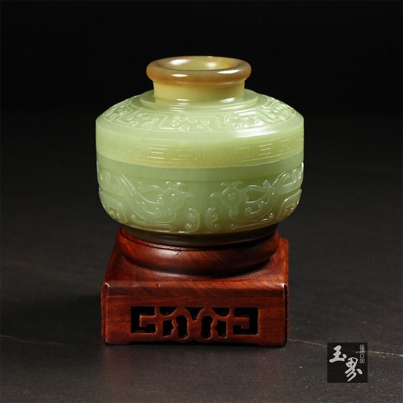 黄玉-凤凰纹饰盒