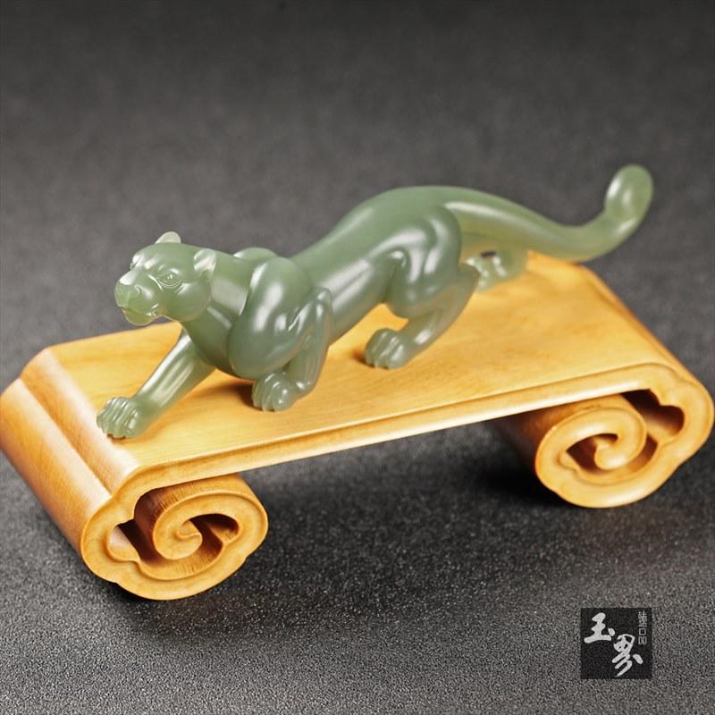 青玉小摆件—豹子