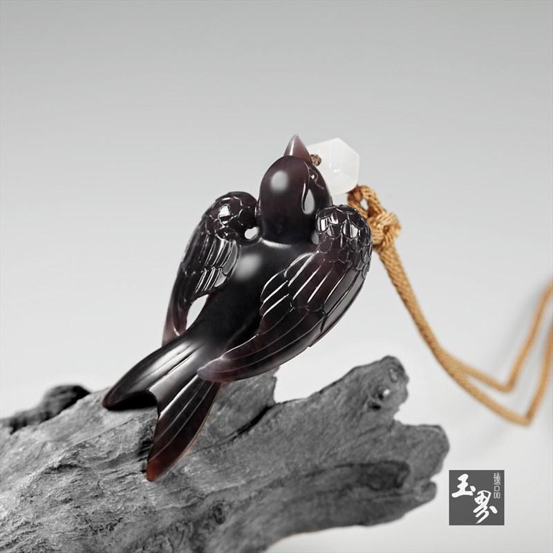 烟青玉挂件-小燕子